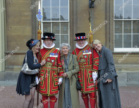 Phyllida Law seen after receiving her OBE for services to Drama and for charitable services, with daughters Emma Thompson