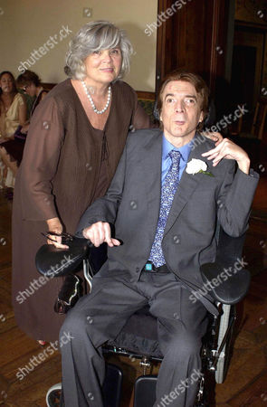 JOHN PAUL GETTY III WITH HIS MOTHER GAIL
