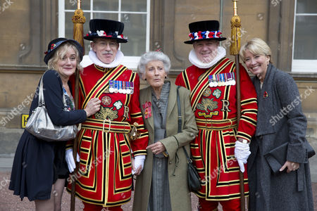 Stock Picture of Miss Phyllida Law OBE. For services to Drama and for charitable services. photographed with daughters Sophie and Emma Thompson