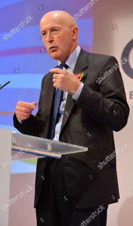 Editorial picture of Sir Philip Hampton Chairman Rbs Group At Conference. - Cbi (confederation Of British Industries) Conference At The Hilton Metropole Hotel London. -.