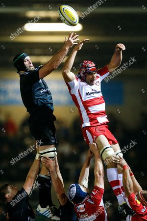 Newcastle Lock Calum Green and Gloucester Lock Tom Palmer compete at a lineout
