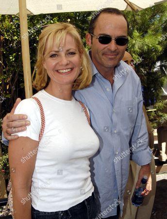 Bonnie Hunt and Mark Derwin