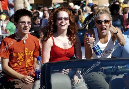 Martin Spanjers, Amy Davidson, and Kaley Cuoco