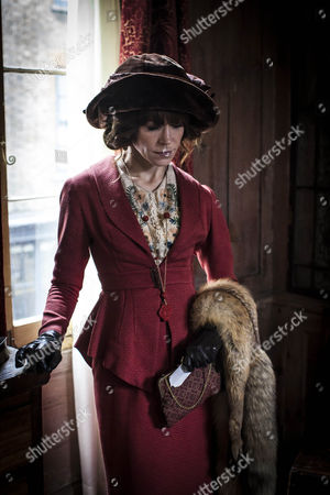 Frances O'Connor as Rose Selfridge.