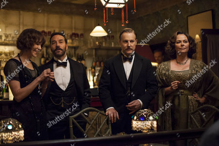 Frances O'Connor as Rose Selfridge Jeremy Piven as Harry Selfridge, Samuel West as Frank Edwards and Polly Walker as Delphine Day.