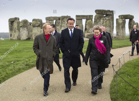 Prime Minister David Cameron with Simon Thurley, director of English Heritage, and Dame Helen Ghosh, director General of the National Trust
