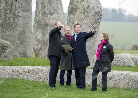Andrew Page-Dove, Regional Director of the Highways Agency, Simon Thurley (red scarf) Director of English Heritage, David Cameron and Dame Helen Ghosh, Director-General of the National Trust