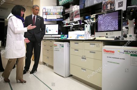 Barack Obama and Nancy Sullivan, Chief of the Biodefence Research Section
