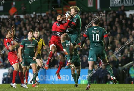 Mathew Tait battles with Delon Armitage for a high ball