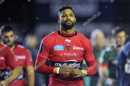 Delon Armitage of Leicester Tigers looks dejected after the match