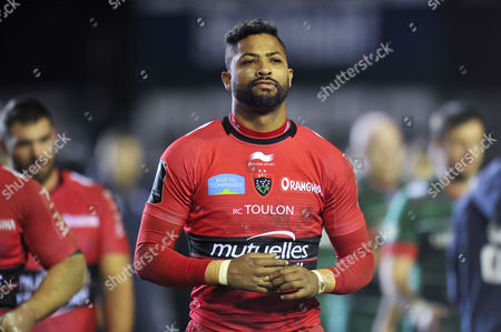 Delon Armitage of Toulon looks dejected as he walks off the field after the match