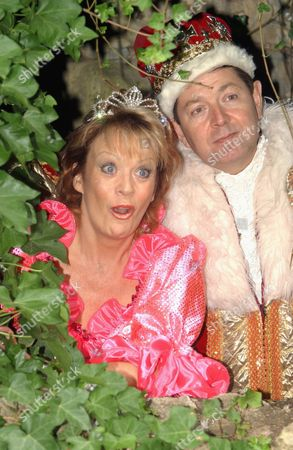 Stock Photo of SHERRIE HEWSON AND GRAHAM SEED