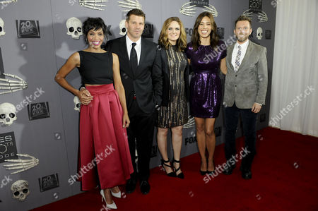 David Boreanaz, Emily Deschanel, Tamara Taylor, Michaela Conlin and TJ Thyne