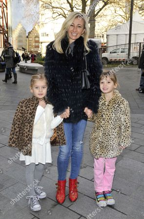 Jenny Halpern Prince and her twin daughters