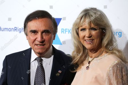 Tony Lo Bianco (L) and Elizabeth Lo Bianco