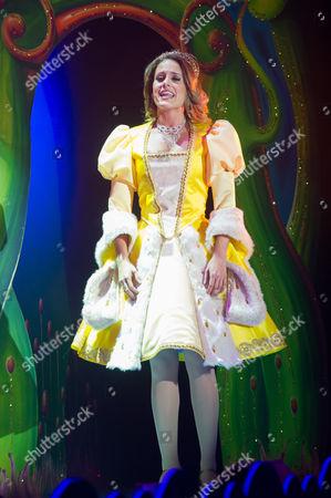Robyn Mellor (Princess Apricot)