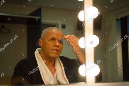 Gary Wilmot applies his Dame Trot make-up, prior to the dress rehearsal