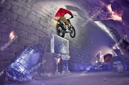 Dougie Lampkin performs during Tundra Trial in the Snow Village in Lainiotie