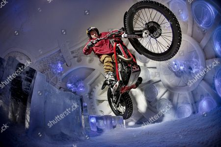 Dougie Lampkin performs during the Tundra Trial in the Snow Village in Lainiotie