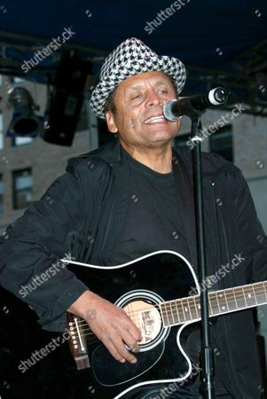 Editorial photo of GARLAND JEFFREYS PERFORMING IN A FREE CONCERT FOR J AND R MUSIC WORLD, CITY HALL PARK, NEW YORK, AMERICA - 14 OCT 2003