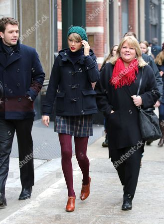Stock Picture of Taylor Swift and Andrea Finlay Swift