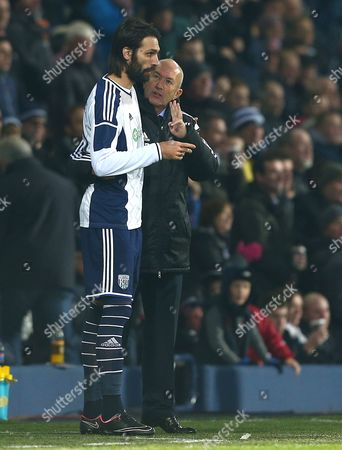 West Bromwich Albion head coach Tony Pulis talks to Georgios Samaras before he comes on as a substitute