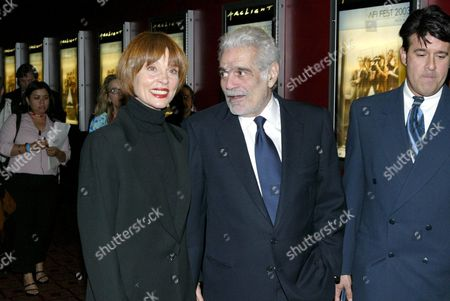Leigh Taylor Young and Omar Sharif