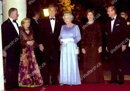 AMBASSADOR WILLIAM FARISH AND WIFE SARAH, GEORGE W BUSH, Queen Elizabeth II, Laura Bush AND Prince Philip