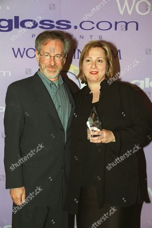 20000609  Los Angeles Stephen Spielberg and Mimi Leder at the Women In Film 24th Annual Crystal Awards Luncheon at the Century Plaza Hotel  Photo®Eric Charbonneau/BEI    A005758-17