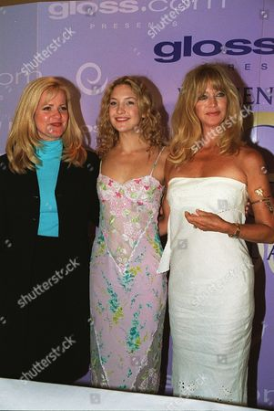 20000609  Los Angeles Bonnie Hunt, Kate Hudson and Goldie Hawn at the Women In Film 24th Annual Crystal Awards Luncheon at the Century Plaza Hotel and hosted by the mother-daughter team of Goldie Hawn and Kate Hudson. Photo®Eric Charbonneau/BEI    A005758-27