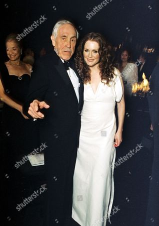 Jason Robards and Julianne Moore