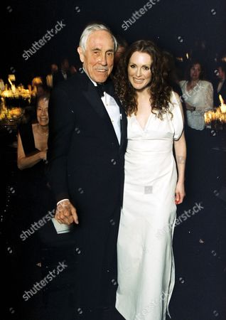 Stock Image of Jason Robards and Julianne Moore
