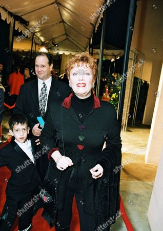 """20001030 Maureen McGovern at the World Premiere of the DreamWorks Animated Family Classic """"Joseph: King Of Dreams"""" at the Historic Egyptian Theater. Photo®Eric Charbonneau/Berliner Studio/BEI A011210-12"""