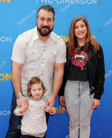 Stock Picture of Joey Fatone with daughters Kloey and Briahna Fatone