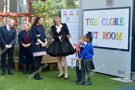 Anthony Mannix, Dame Vivien Duffield, Catherine Duchess of Cambridge and Grayson Perry