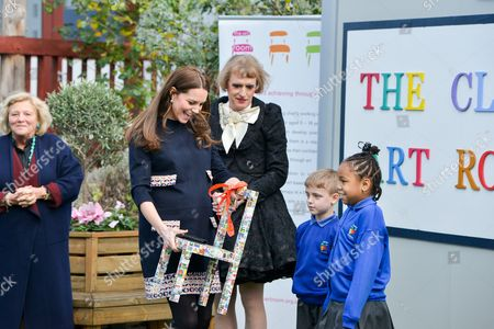 Dame Vivien Duffield, Catherine Duchess of Cambridge, Grayson Perry and children