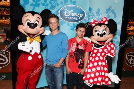 SANTA MONICA, CA - AUGUST 06: Mickey, Jason Earles, Moises Arias and Minnie at the Opening of the new Disney Store at Santa Monica Place on August 05, 2010 at Santa Monica Place in Santa Monica, California.