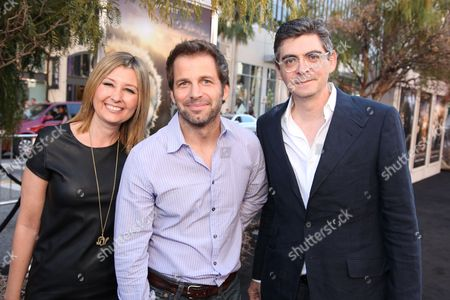 HOLLYWOOD - SEPTEMBER 19: Exec. Producer Deborah Snyder, Director Zack Snyder and Screenwriter John Orloff at The World Premiere of Warner Bros. 'Legend of the Guardians' at Grauman's Chinese Theatre on September 19, 2010 in Hollywood, California. Deborah Snyder Director Zack Snyder John Orloff