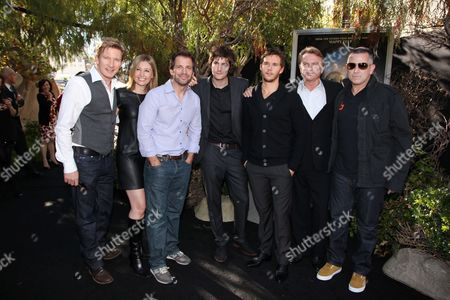 HOLLYWOOD - SEPTEMBER 19: David Wenham, Exec. Producer Deborah Snyder, Director Zack Snyder, Jim Sturgess, Ryan Kwanten, Sam Neill and Anthony LaPaglia at The World Premiere of Warner Bros. 'Legend of the Guardians' at Grauman's Chinese Theatre on September 19, 2010 in Hollywood, California. David Wenham Deborah Snyder Zack Snyder Jim Sturgess Ryan Kwanten Sam Neill Anthony LaPaglia