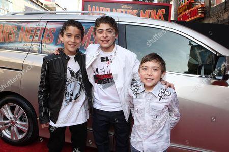 HOLLYWOOD, CA - MARCH 06: Robert Ochoa, Ryan Ochoa and Raymond Ochoa at Disney's 'Mars Needs Moms' World Premiere at the El Capitan Theatre on March 6, 2011 in Hollywood, California. Robert Ochoa Ryan Ochoa Raymond Ochoa