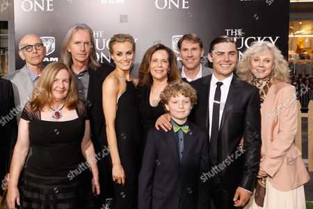 HOLLYWOOD, CA - APRIL 16: (L-R) Producer Kevin McCormick, Co-Producer Kerry Heysen, Director Scott Hicks, Producer Denise Di Novi, Riley Thomas Stewart, Author Nicholas Sparks, Zac Efron and Blythe Danner at The World Premiere of Warner Bros.' 'The Lucky One' Presented by Dodge Ram at Grauman's Chinese Theatre on April 16, 2012 in Hollywood, California. (Photo by Le Studio/FilmMagic)Kevin McCormick Kerry Heysen Scott Hicks Denise Di Novi Riley Thomas Stewart Nicholas Sparks Zac Efron Blythe Danner