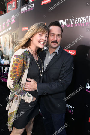 HOLLYWOOD, CA - MAY 14: Jenny Robertson and Thomas Lennon arrive at the Lionsgate Premiere of 'What To Expect When You're Expecting' at Grauman's Chinese Theatre on May 14, 2012 in Hollywood, California. Jenny Robertson Thomas Lennon