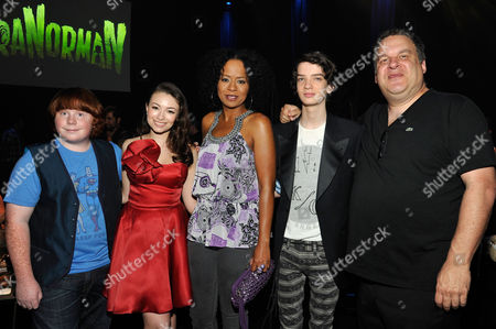 UNIVERSAL CITY, CA - AUGUST 05: (L-R) Tucker Albrizzi, Jodelle Ferland, Tempesst Bledsoe, Kodi Smit-McPhee and Jeff Garlin at Focus Features 'ParaNorman' World Premiere at The Globe Theatre at Universal Studios on August 5, 2012 in Universal City, California. Kodi Smit-McPhee Tucker Albrizzi Jodelle Ferland Tempesst Bledsoe Jeff Garlin