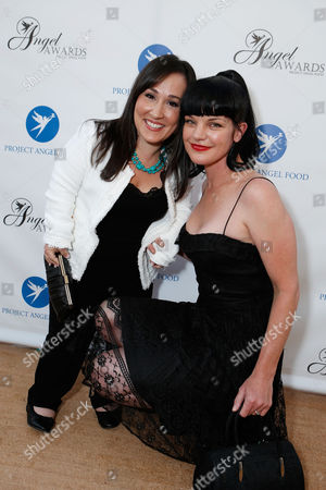 LOS ANGELES, CA - AUGUST 18: Meredith Eaton and Honoree Pauley Perrette at Project Angel Food's Angel Awards 2012 held at Project Angel Food on August 18, 2012 in Los Angeles, California. Meredith Eaton: Pauley Perrette