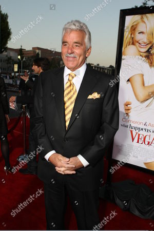 WESTWOOD, CA - MAY 1: Dennis Farina at Twentieth Century Fox World Premiere of 'What Happens in Vegas' on May 1, 2008 at the Mann Village Theatre in Westwood, CA.