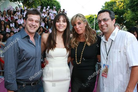WESTWOOD, CA - AUGUST 20: Producer Allen Covert, Katharine McPhee, Producer Heather Parry and Producer Jack Giarraputo at Columbia Pictures Premiere of 'The House Bunny' on August 20, 2008 at the Mann Village Theatre in Westwood, CA.