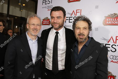 HOLLYWOOD, CA - NOVEMBER 09: Producer Pieter Jan Brugge, Liev Schreiber and Producer/Director/Writer Ed Zwick at Paramount Vantage Premiere of 'Defiance' at the 2008 AFI Fest Closing Night Gala on November 09, 2008 at the Cinerama Dome in Hollywood, CA.