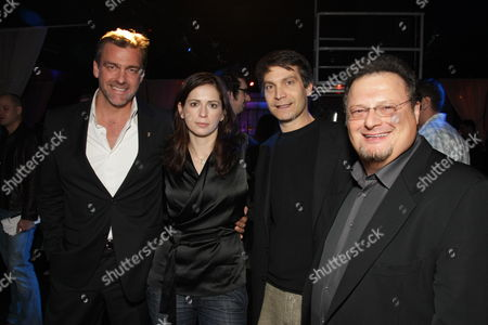 HOLLYWOOD, CA - DECEMBER 01: Ray Stevenson, Director Lexi Alexander, Marvel's David Maisel and Wayne Knight at Lionsgate special screening of 'The Punisher' on December 01, 2008 at Mann's Chinese Theatre in Hollywood, California.