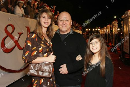 WESTWOOD, CA - DECEMBER 11: Autumn Chiklis, Michael Chiklis and Odessa Chiklis at 20th Century Fox Premiere of 'Marley & Me' on December 11, 2008 at Mann's Village Theatre in Westwood, California.