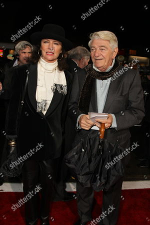 WESTWOOD, CA - DECEMBER 15: Jacqueline Bisset and Seymour Cassel at the World Premiere of Dreamworks Pictures and Paramount Vantage 'Revolutionary Road' on December 15, 2008 at Mann's Village Theatre in Westwood, California.